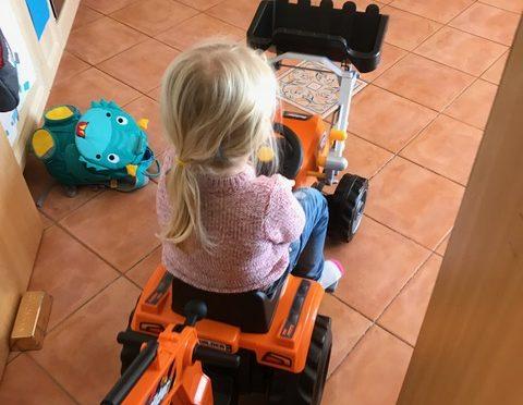 Smoby Traktor Builder Max – perfekte Kombination aus Spielbagger und Trettraktor!