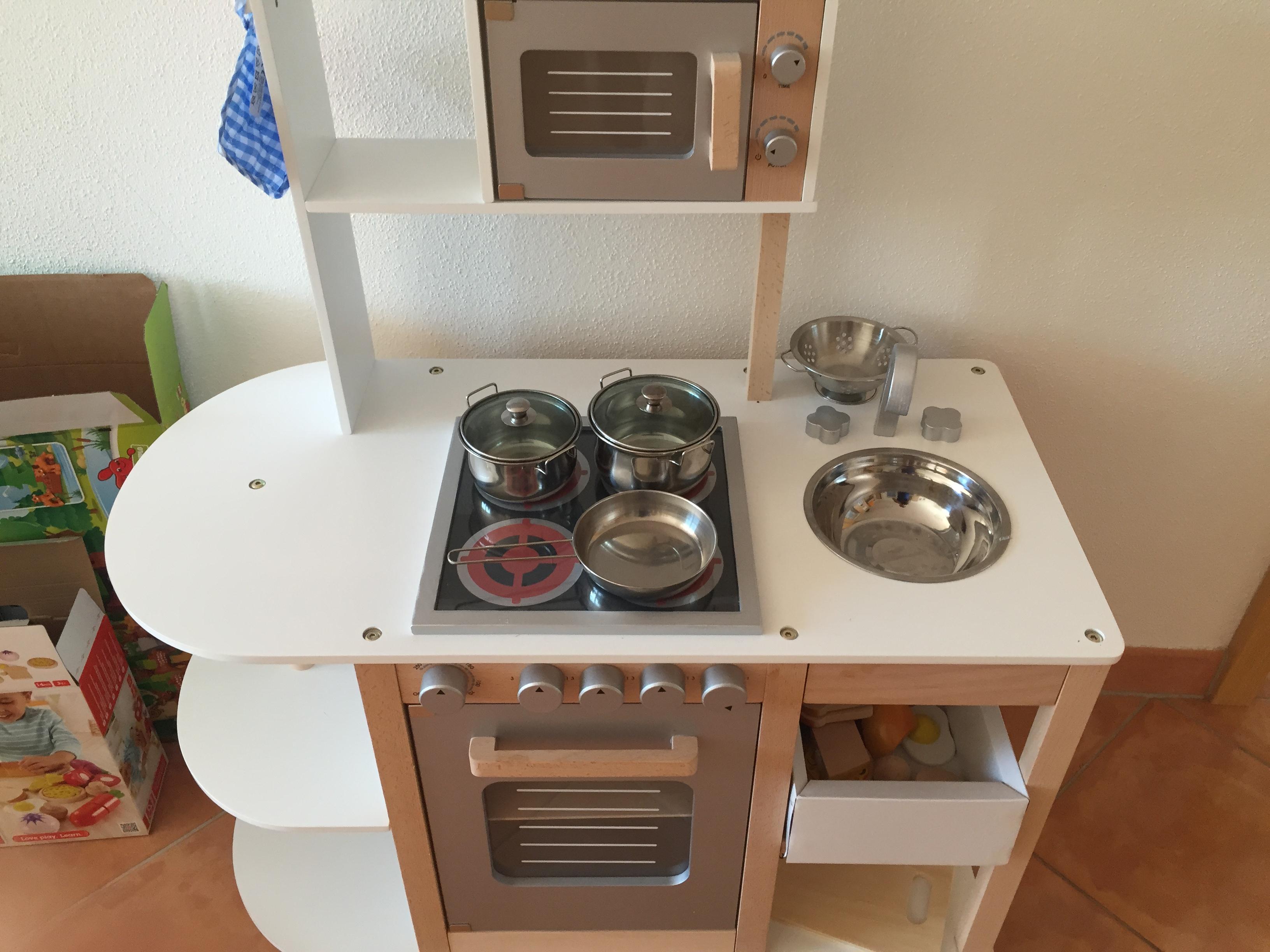 produktvorstellung sun kinderk che piratenprinzessin. Black Bedroom Furniture Sets. Home Design Ideas