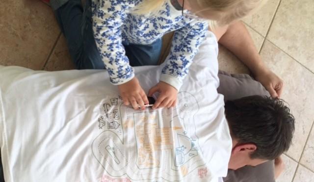 Laufkleber: Nie mehr Entenfüsse + Massageshirt für den Papa – VERLOSUNG