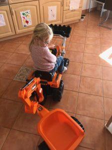 trettraktor für kinder, bulldog, smoby, builder max, smoby traktor, kindertraktor,