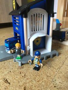 BRIO-Polizei